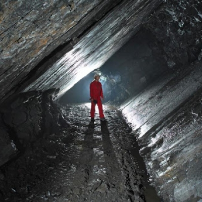 Adrenalina na drabinach, lampy na czole, skarbnicy w podziemiach. Kopalnia Flaschara to kamienny podręcznik geologii, foto: Flas